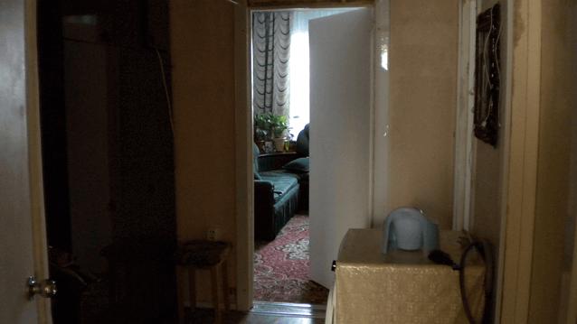 холл вид на малую комнату
