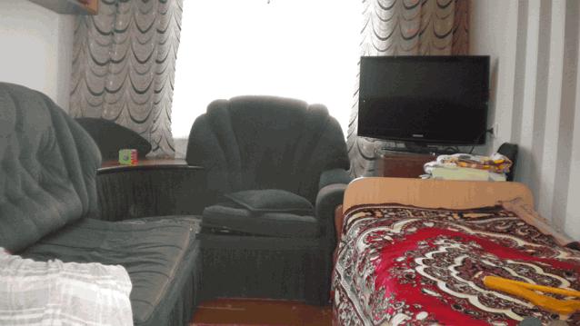 малая комната стена с окном