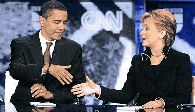 Обама жмет руку Хиллари