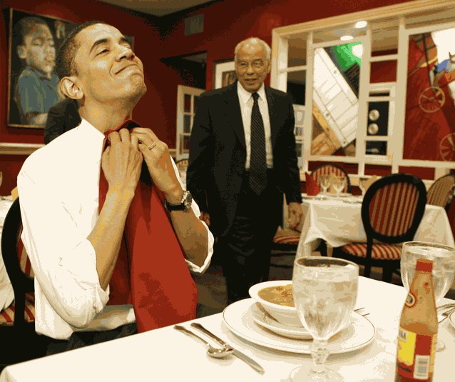Обама обедает
